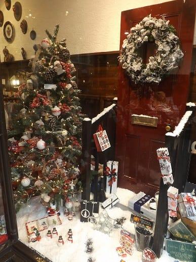 Ye Olde Friars Famous Christmas Windows Friars Blog