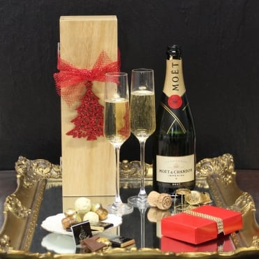 Sparkling Moet Champagne Gift Box